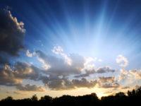 sky with rays of sunshine